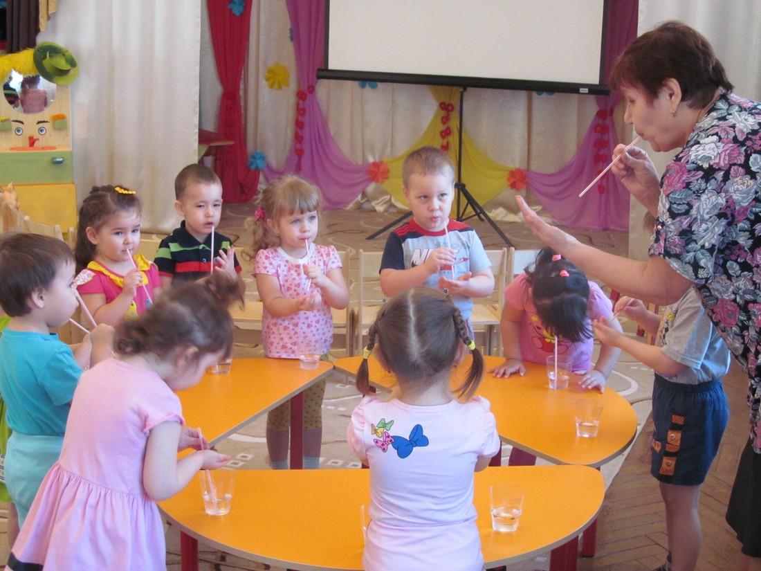 Сценарий проведения праздника «День дошкольного работника»